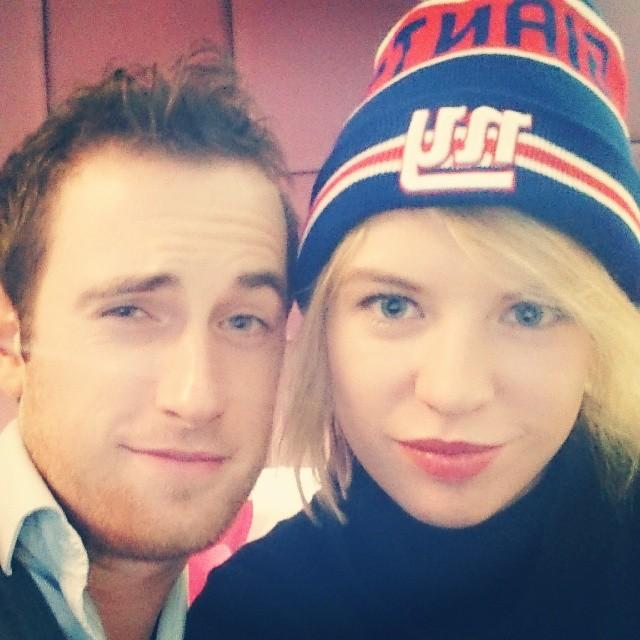 RED REIDING HOOD: Instagram selfie Helsinki Radisson Blu hotel New Era NY New York Giants bobble hat couple instagram