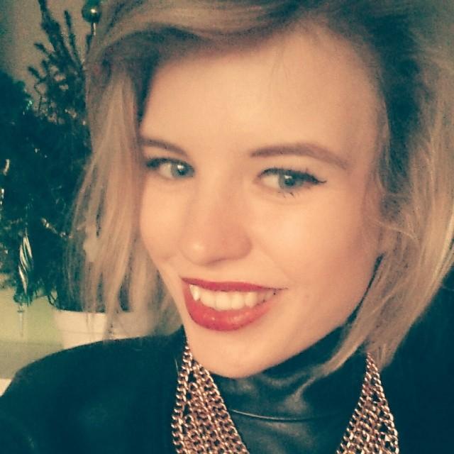 RED REIDING HOOD: Instagram Red Reiding Hood Rowan beautiful dutch girl revival london jewelry red lips statement necklace