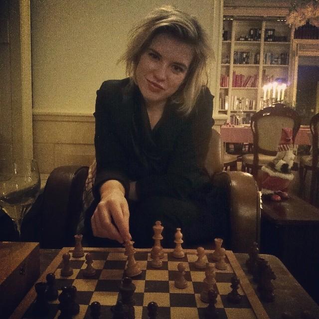 RED REIDING HOOD: Fashion blogger instagram instaweek instadiary Christmas Kerst 2013 playing chess schaken