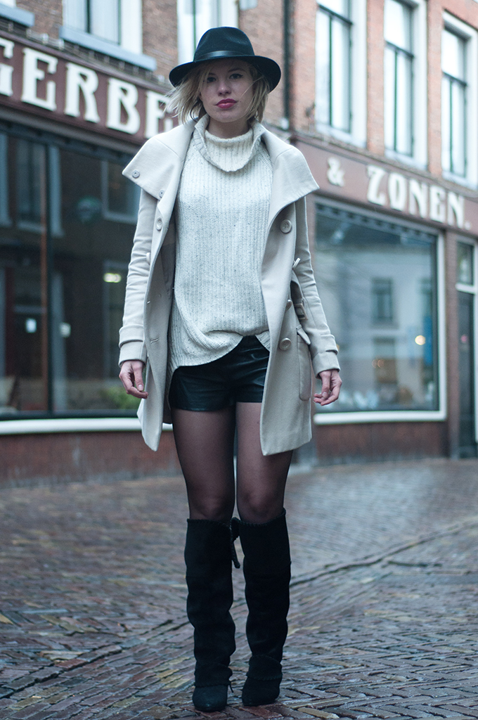 RED REIDING HOOD: Cream woolen trenchcoat beige turtleneck sweater knitwear leather shorts over the knee slouchy boots suede fashion blogger outfit
