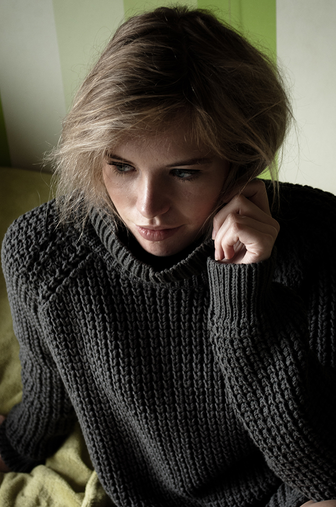 RED REIDING HOOD: Fashion blogger wearing Hope Grand Turtleneck sweater heavy knitted knitwear dark grey outfit details