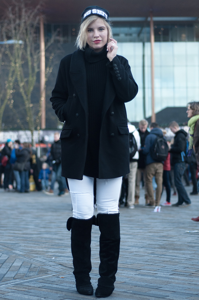 RED REIDING HOOD: Fashion blogger wearing CoolCat beanie No Shit slouchy knee boots
