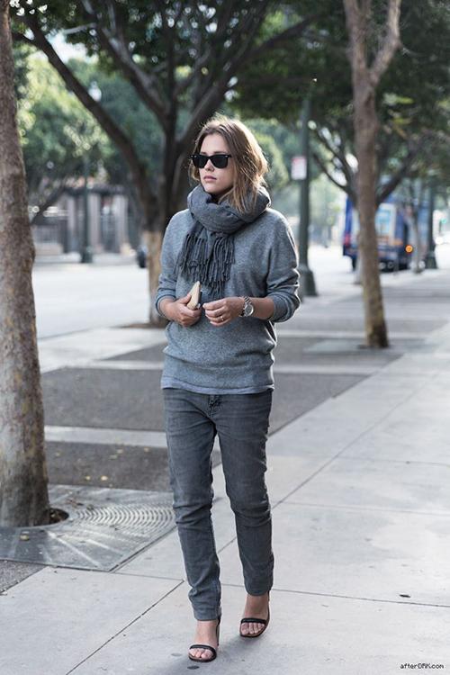 RED REIDING HOOD: AfterDRK Sabrina Meijer all grey ton sur ton outfit oversized baggy boyfriend jeans celine heels fashion blogger inspiration