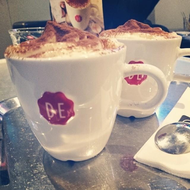 RED REIDING HOOD: Douwe Egberts café Leeuwarden koffie hotspot instagram diary