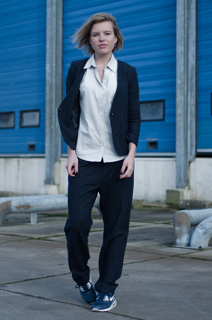 RED REIDING HOOD: Fashion blogger wearing navy blue pinstripe suit slouchy trousers Nike Air Max 90 model off duty look comfy streetstyle