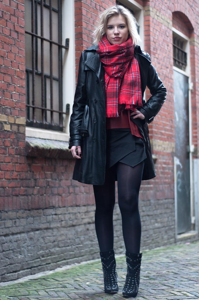 RED REIDING HOOD: Fashion blogger wearing leather trench coat Mango plaid tartan scarf Zara skort Sam Edelman Melina shoes model off duty streetstyle