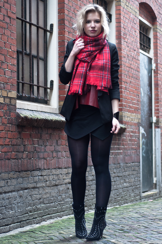 RED REIDING HOOD: Fashion blogger black skort burgundy oxblood plaid tartan scarf model off duty streetstyle sam edelman ankle boots