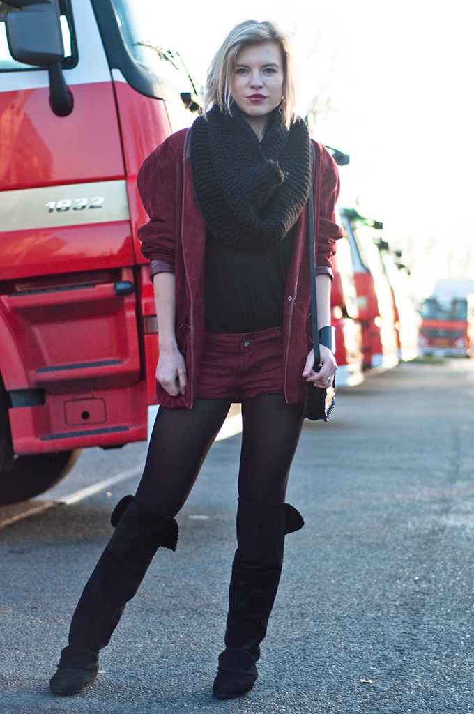 RED REIDING HOOD: All burgundy outfit double oxblood look fashion blogger wearing vintage suede jacket red denim shorts model off duty streetstyle