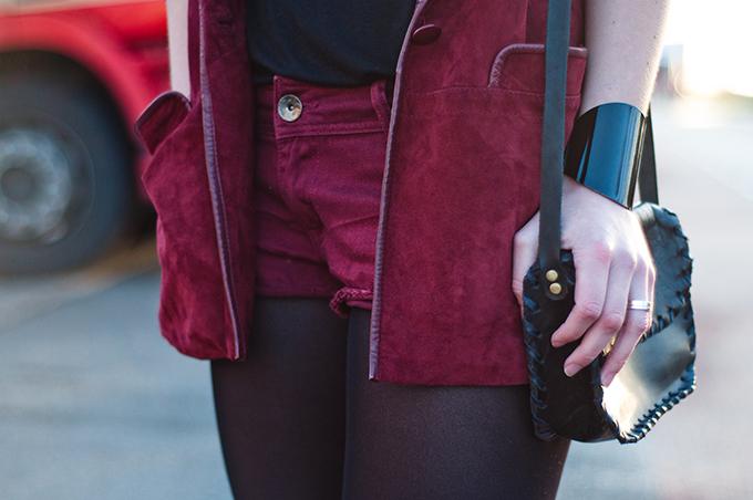 RED REIDING HOOD: Fashion blogger streetstyle outfit details oversized suede vintage blazer oxblood deni shorts double burgundy cross body bag