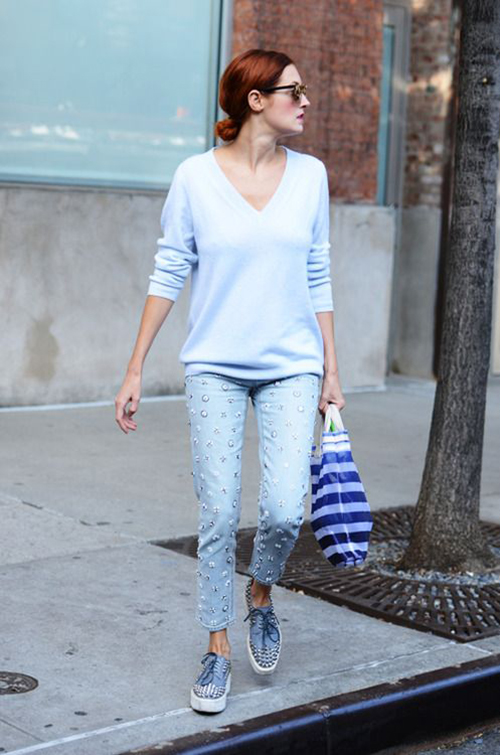 RED REIDING HOOD: Taylor Tomasi Hill wearing baby blue sweater jeans outfit inspiration streetstyle fashion blogger pinterest