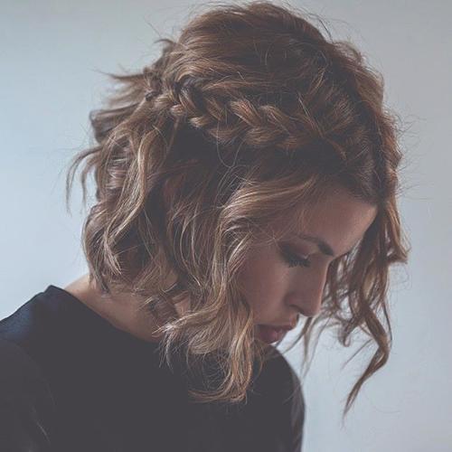 RED REIDING HOOD: Short hair braid messy hair don't care short curly hair cut