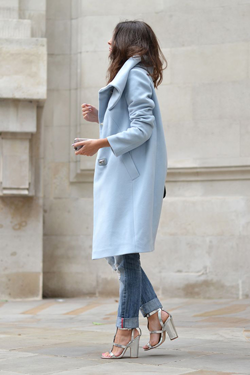 RED REIDING HOOD: Fashion blogger wearing baby blue trench coat streetstyle outfit inspiration