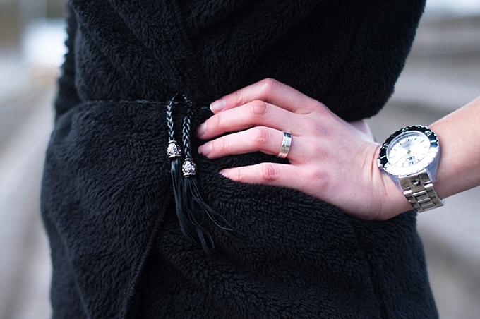 RED REIDING HOOD:  Fluffy hoodie teddy coat soft cardigan Ikki horloge watch Michael Kors silver