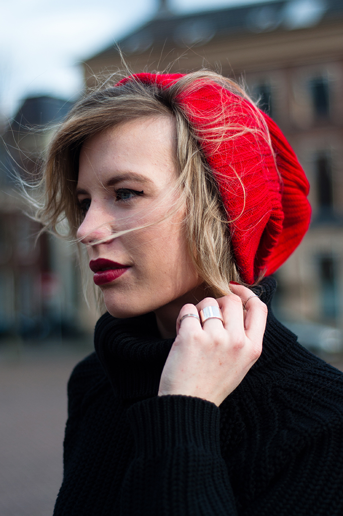 RED REIDING HOOD: Fashion blogger wearing red oversized beanie asos wavy hair red lipstick oxblood burgundy valentine's day outfit