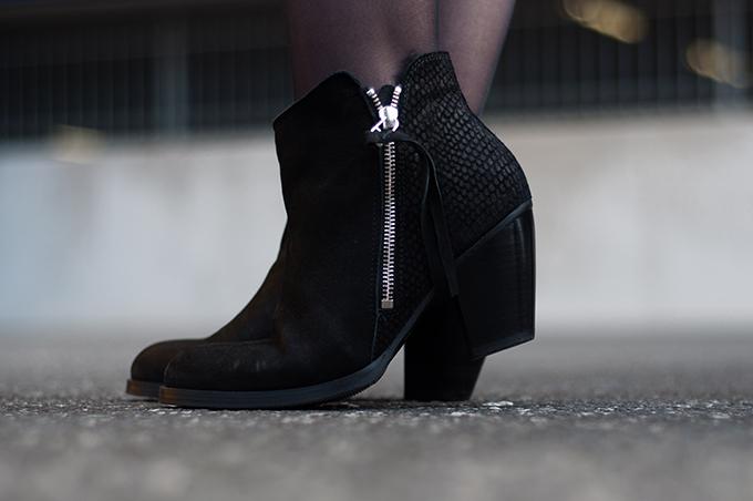 RED REIDING HOOD: fashion blogger wearing acne pistol boots sacha schoenen KO knock off