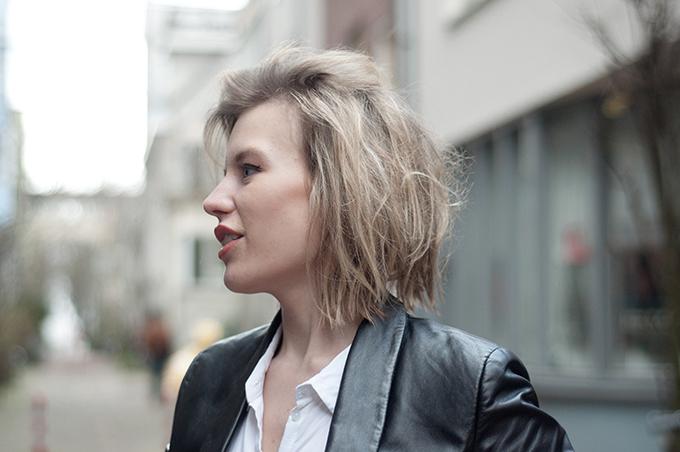 RED REIDING HOOD: fashion blogger short hair model off duty messy hair don't care