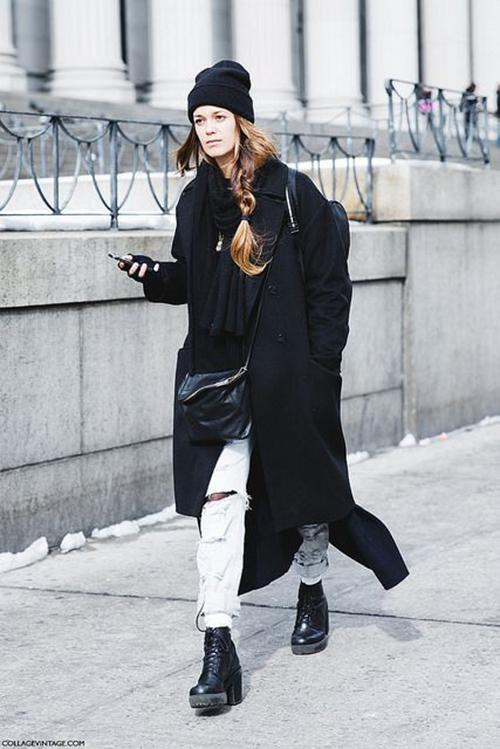 RED REIDING HOOD: Streetstyle black long coat boyfriend jeans fashion blogger outfit pinterest inspiration