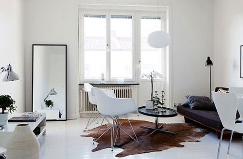 RED REIDING HOOD: Brown cow skin rug white interior inspiration pinterest home deco