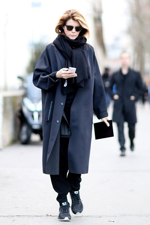 RED REIDING HOOD: Pinterest inspiration navy blue long coat sneakers layers black and blue outfit fashion blogger