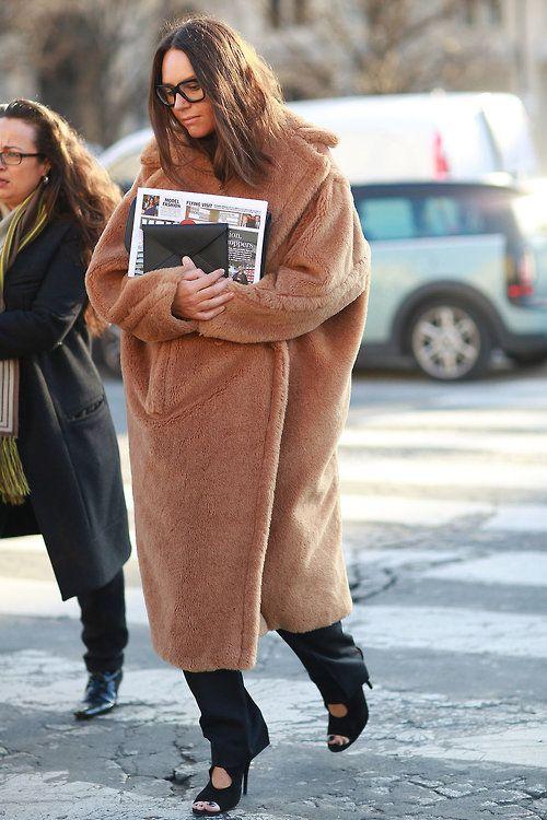 RED REIDING HOOD: Fashion blogger wearing long huge oversized fluffy camel coat streetstyle