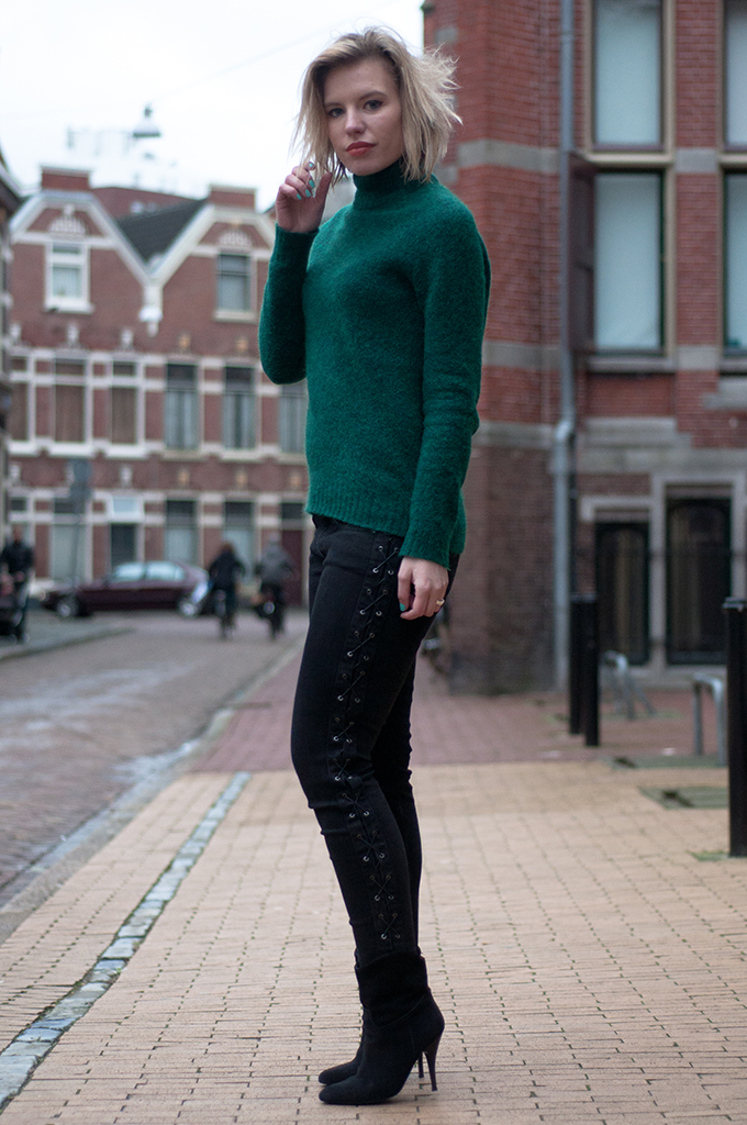 RED REIDING HOOD: Fashion blogger wearing black zara lace up jeans forest green mohair turtleneck streetstyle model off duty look
