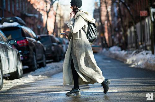 RED REIDING HOOD: New York City girl wearing long fluffy coat streetstyle fashion blogger
