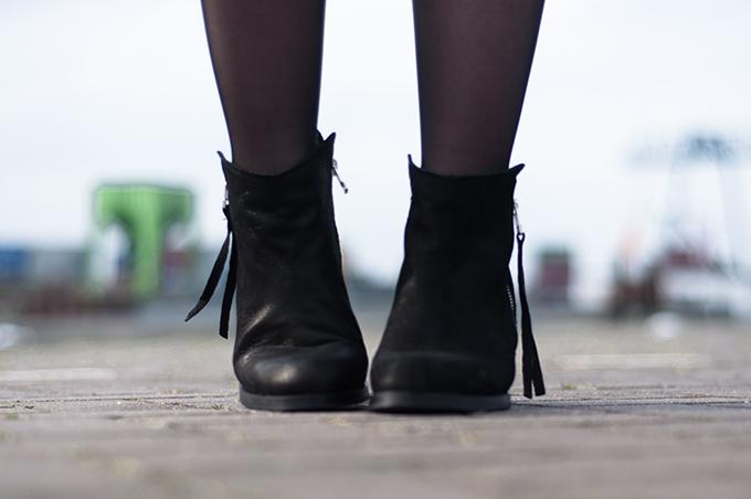 RED REIDING HOOD: Acne pistol boots KO shoes sacha shoes schoenen black leather