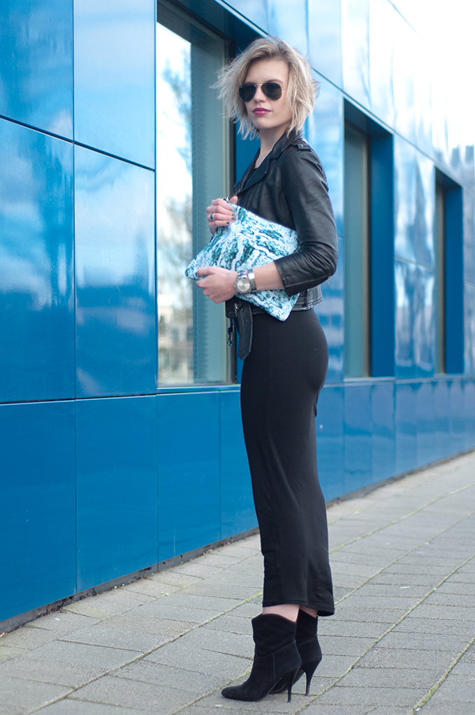 RED REIDING HOOD: Fashion blogger wearing black maxi dress leather jacket all black everything outfit streetstyle