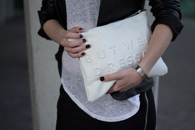 RED REIDING HOOD: Fashion blogger wearing stressed but well dressed clutch zara black and white outfit streetstyle leather jacket
