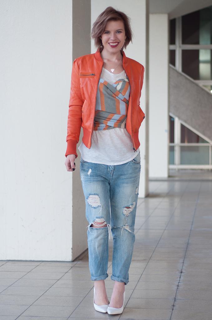 RED REIDING HOOD: Fashion blogger Koningsdag outfit BlueGold leather jacket orange boyfriend jeans