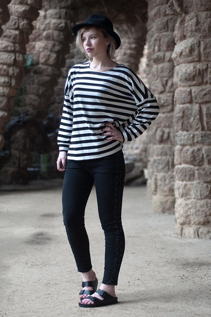 RED REIDING HOOD: Fashion blogger wearing Fedora hat parisienne streetstyle look striped tee black skinny jeans Birkenstocks