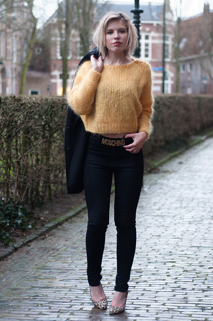 RED REIDING HOOD: Fashion blogger wearing high waisted jeans gold Moschino Belt streetstyle cropped jumper mohair model off duty
