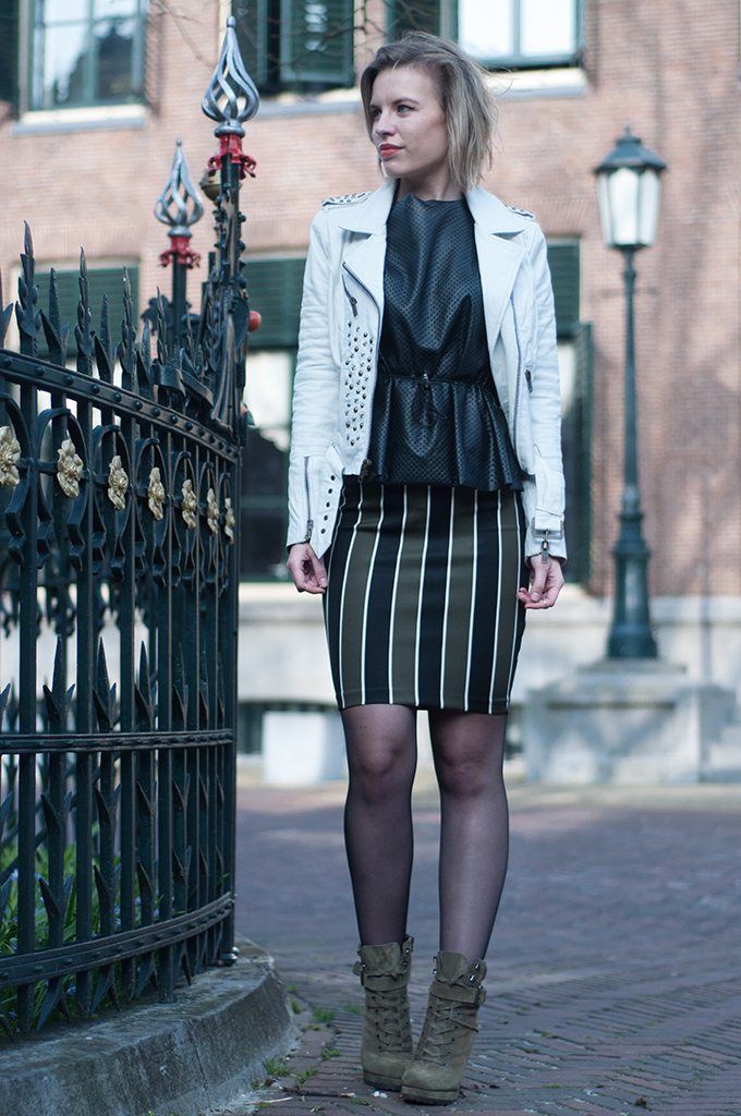 RED REIDING HOOD: Fashion blogger wearing white leather jacket Mission Blue streetstyle perforated peplum top H&M Trend