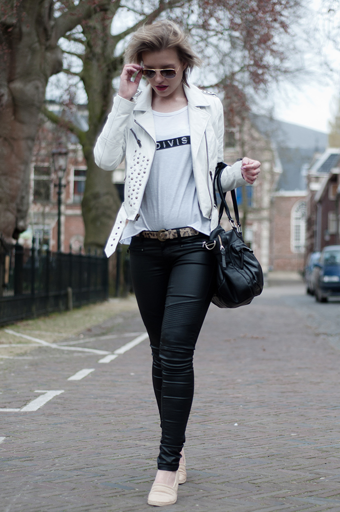 RED REIDING HOOD: Fashion blogger wearin rock chic outfit leather on leather rockstar look streetstyle