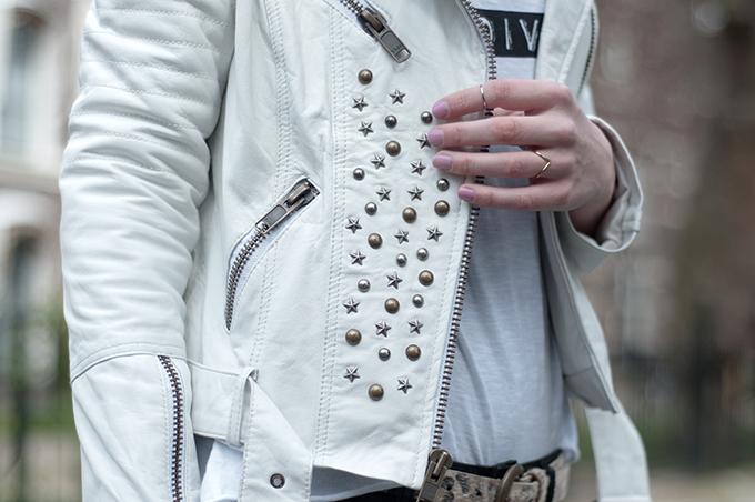 RED REIDING HOOD: Fashion blogger wearing white leather jacket mission blue leren jas studs motorcycle mc jacket
