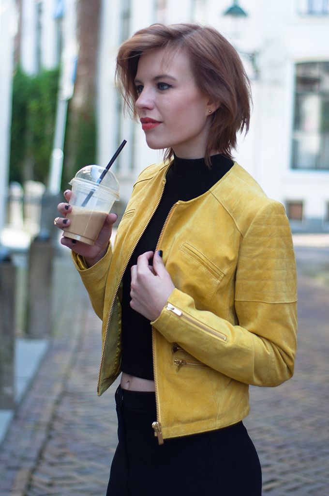 RED REIDING HOOD: Fashion blogger wearing chanel suede yellow leather jacket BLUEGOLD streetstyle coffee