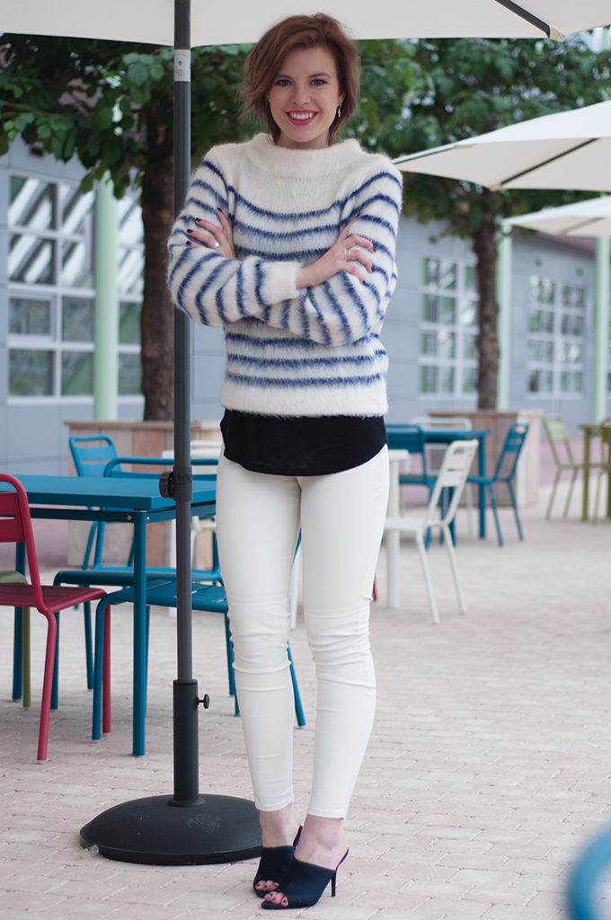RED REIDING HOOD: Fashion blogger wearing white leather pants fluffy mohair jumper streetstyle mules
