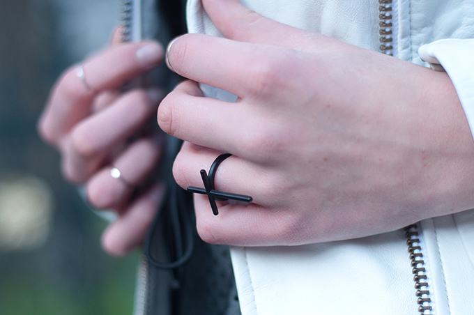 RED REIDING HOOD: Fashion blogger wearing cross ring above the knuckle rings designer Rings and Tings streetstyle