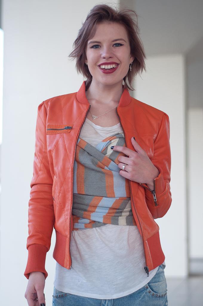 RED REIDING HOOD: Fashion blogger wearing DIY corset top bustier scarf bralette streetstyle