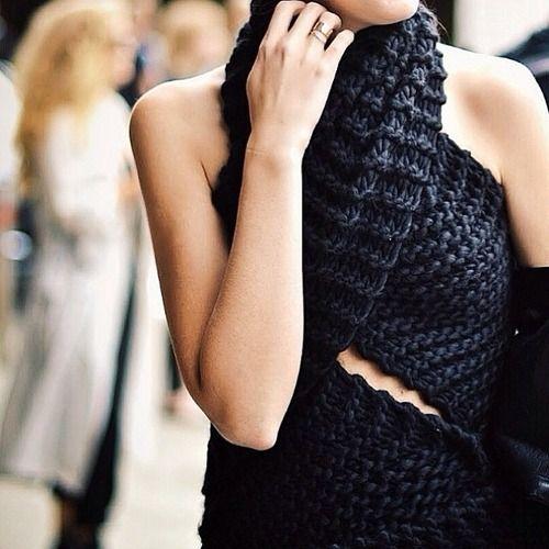 RED REIDING HOOD: knitwear scarf top DIY Pinterest streetstyle fashion inspiration