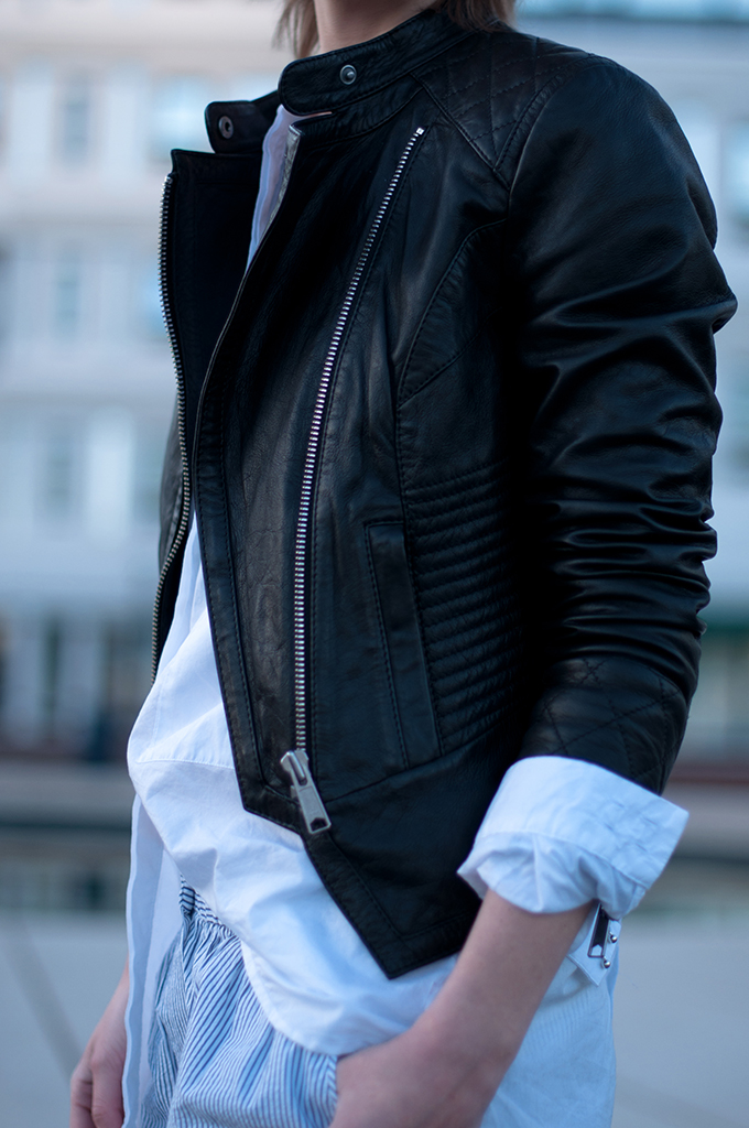 RED REIDING HOOD: Fashion blogger wearing black leather biker jacket BLUEGOLD lucca leren jas