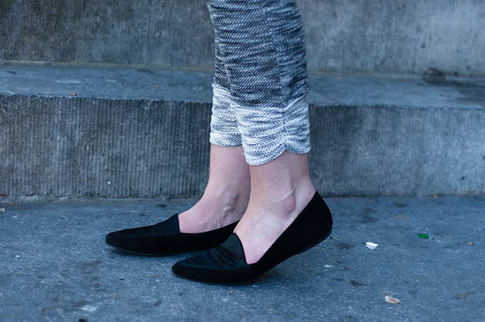 RED REIDING HOOD: Fashion blogger wearing knit pants vagabond loafers streetstyle