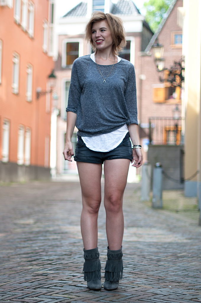 RED REIDING HOOD: Fashion blogger wearing summer layers denim shorts Isabel Marant fringe boots streetstyle model off duty outfit