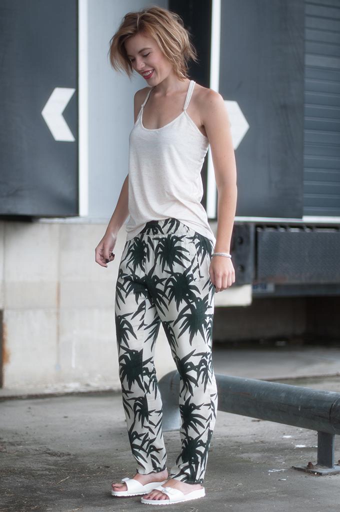 RED REIDING HOOD: Fashion blogger wearing Ganni palm print trousers Zalando festival look birkenstock slides streetstyle
