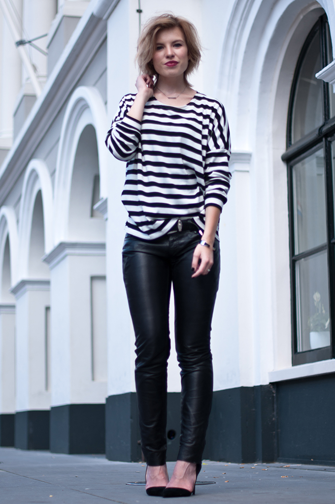 RED REIDING HOOD: Fashion blogger wearing striped top breton streetstyle black and white look black leather pants model off duty outfit pointy pumps