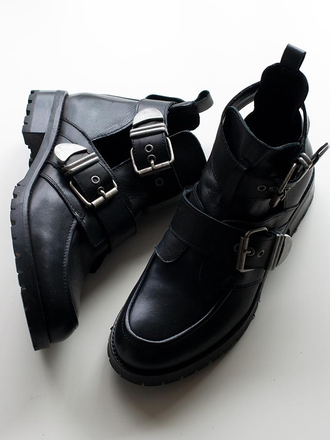 RED REIDING HOOD: Fashion blogger wearing Balenciaga buckle boots KO Sacha cut out boots streetstyle