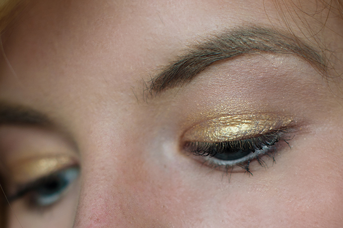 RED REIDING HOOD: Beauty blogger MAYBELLINE COLOR TATTOO ETERNAL GOLD review make up look model