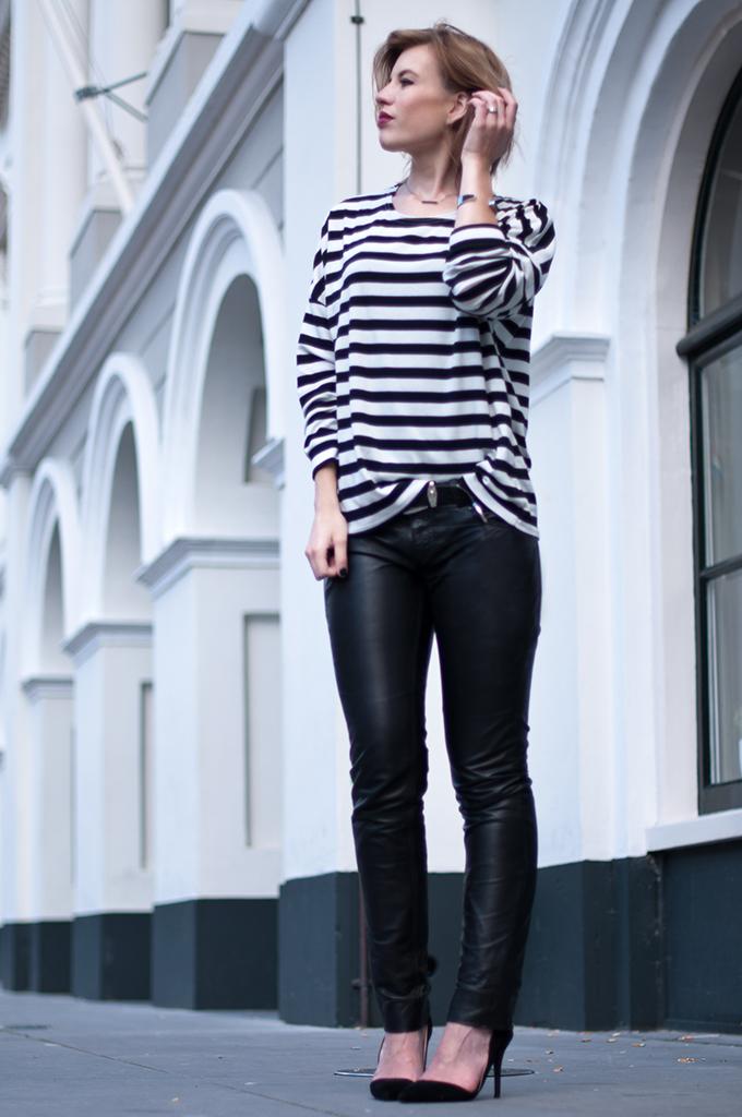 RED REIDING HOOD: Fashion blogger wearing breton striped top streetstyle gipsy skinny leather pants mdoel off duty look