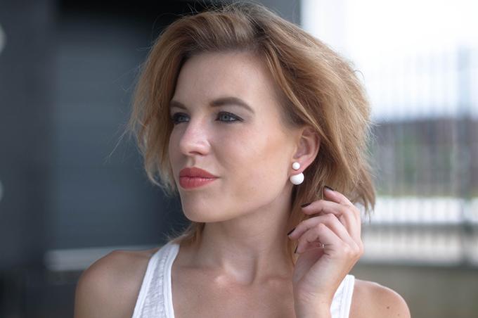 RED REIDING HOOD: Fashion blogger wearing Mise en Dior earrings KO look-alike Pieces model off duty look outfit details
