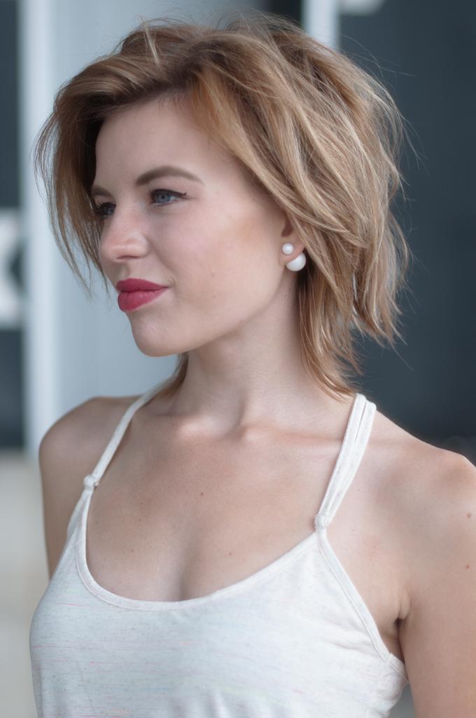 RED REIDING HOOD: Fashion blogger wearing Mise en Dior tribal pearl earrings streetstyle model off duty look messy hair don't care